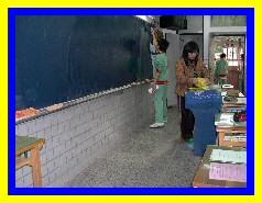 教室內移除講臺調整桌椅讓肢障生暢行無阻